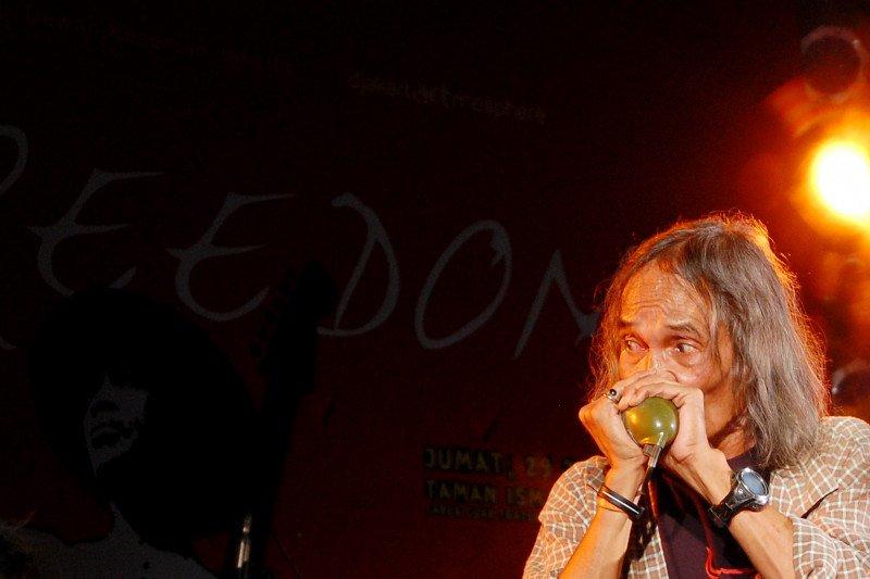 Histori rock Indonesia, Orde Baru  buka keran budaya barat