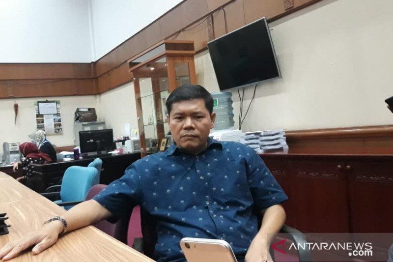 Anggota DPRD Riau minta perusahaan berkontribusi bantu kebutuhan APD tim medis