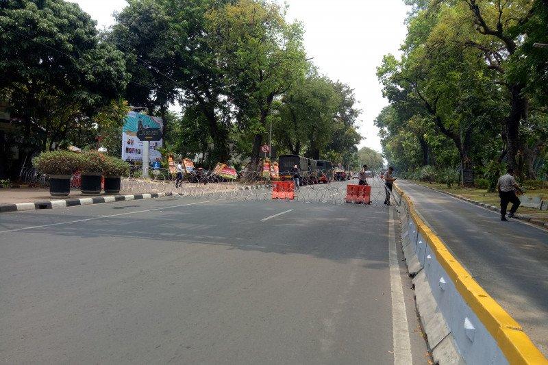 Demo mahasiswa, TransJakarta alihkan sejumlah rute