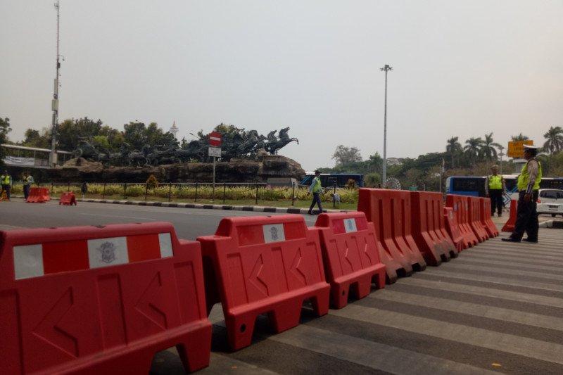 Polisi alihkan rute lalu lintas jelang  aksi reuni 212