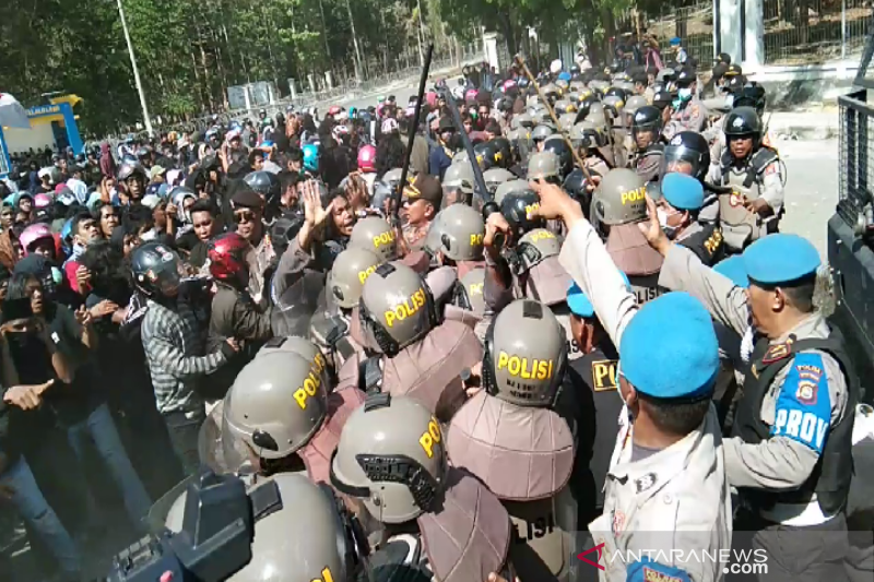 Eks Kasat Reskrim Polres Kendari diadili terkait penembakan mahasiswa