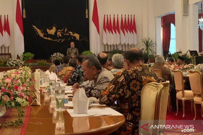 Mendes pernah ditelepon Jokowi saat basah kuyup sedang mandi