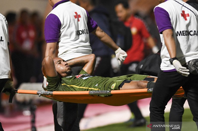 Loris Arnaud mengalami cedera parah, kata sang pelatih