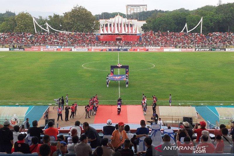Madura United tundukkan Semen Padang 2-1