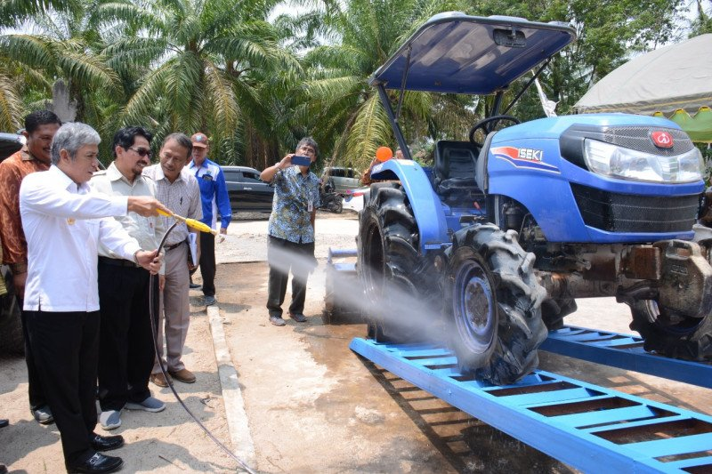 Modernisasi pertanian  dongkrak produksi padi Ogan Komering ilir