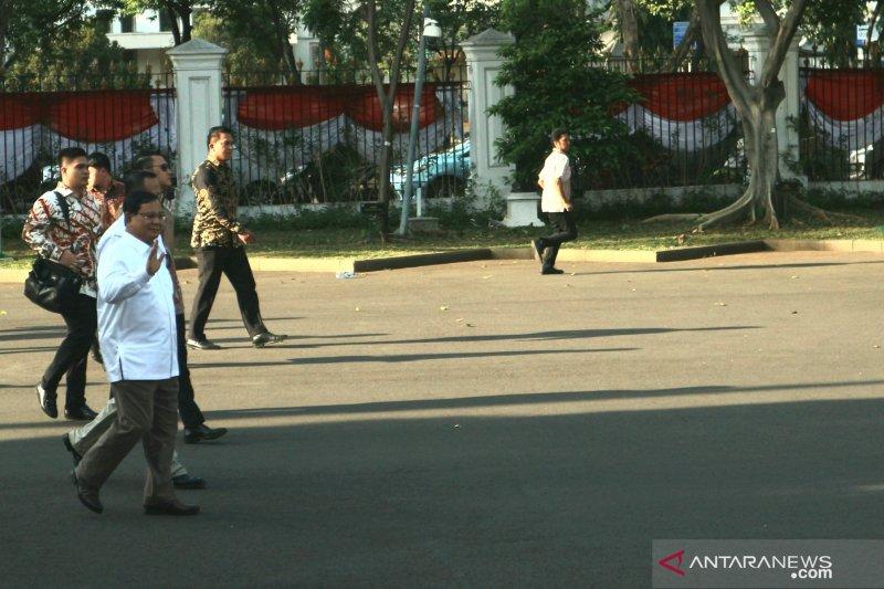 Prabowo Subianto tiba di istana temui Presiden Joko Widodo
