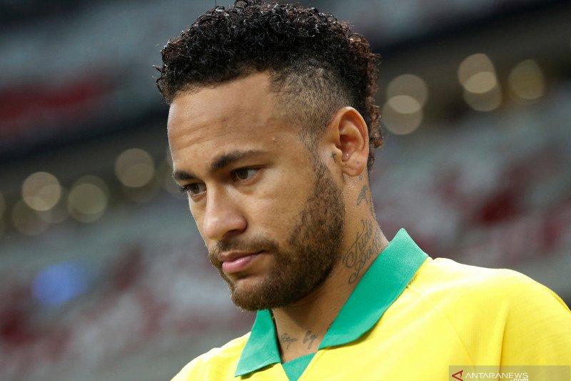 Ini alasan Neymar tidak masuk kandidat peraih Ballon d'Or