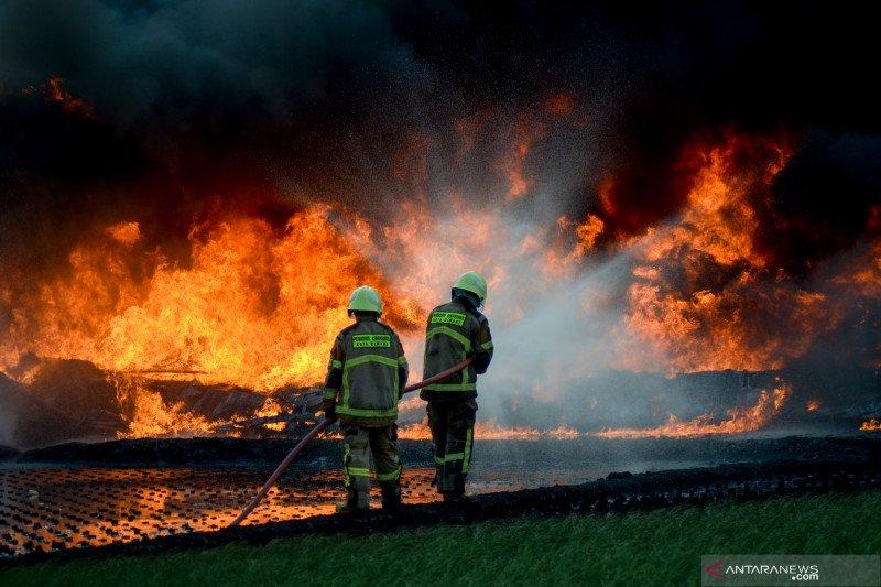 Pertamina sebut pasokan  BBM di Bandung aman pasca kebakaran pipa