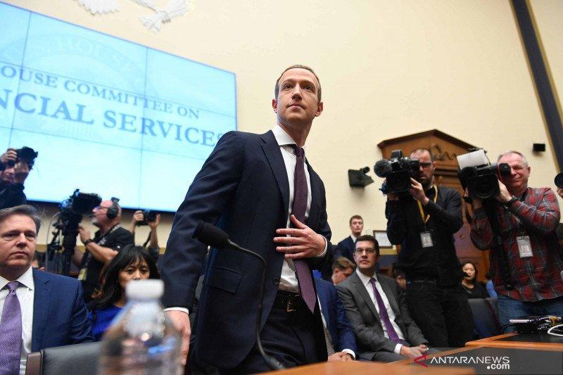 Zuckerberg kehilangan Rp100 triliun akibat boikot Facebook