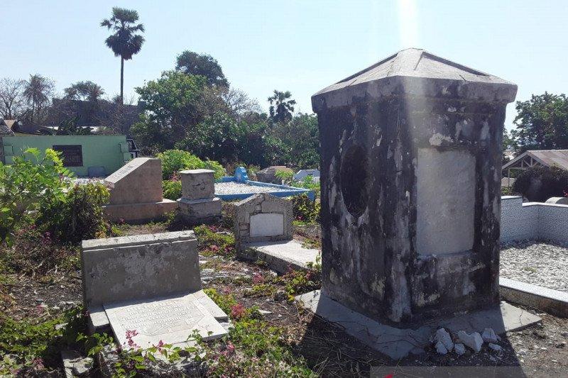 Situs pekuburan Belanda, potensi wisata Kupang yang telantar