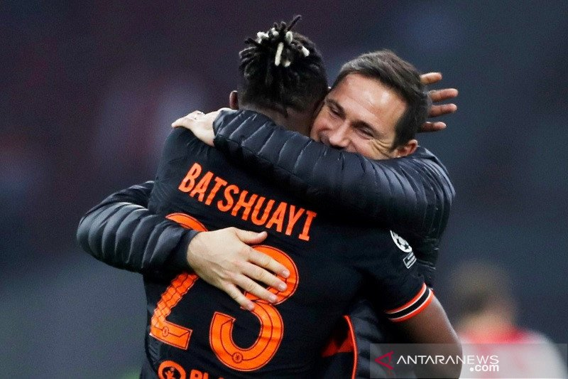 Frank Lampard puji dua penyerangnya Batshuayi dan Giroud