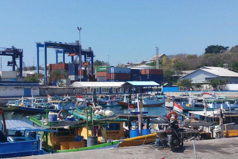 100 kapal nelayan ikut meriahkan Festival Mulut Seribu