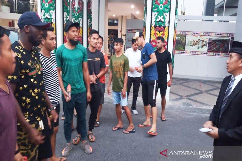 Gaji telat dua bulan, pemain Kalteng Putra ngadu ke gubernur