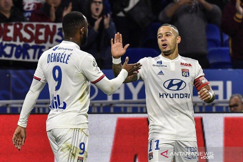 Lyon tundukkan Metz 2-0