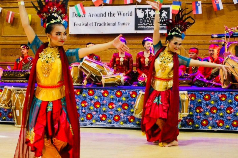 Tari Jaipongan memukau Festival Dance Around The World London