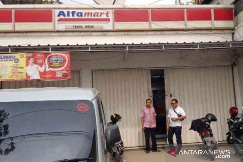Toko swalayan di Bekasi dibobol, uang tunai Rp50 juta raib