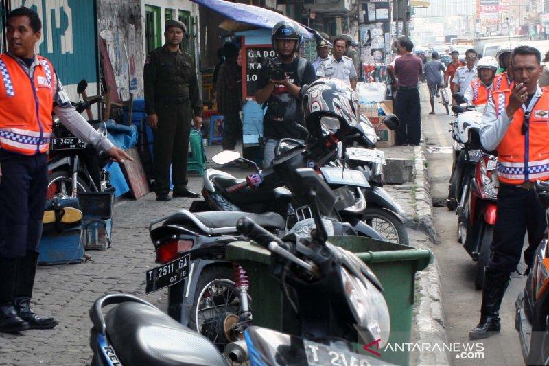 DPRD Karawang minta pemkab lunasi piutang ratusan miliar