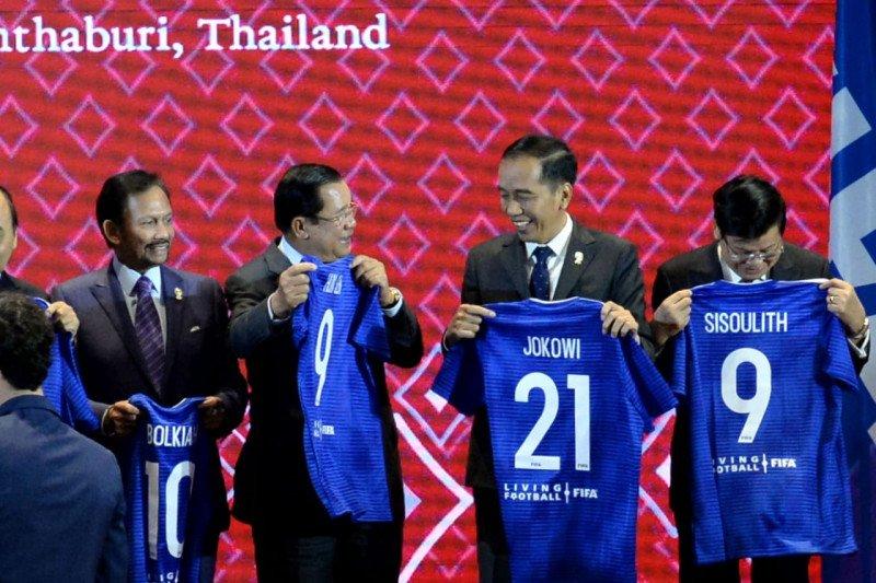 """""""Jersey"""" Nomor 21 untuk Presiden dan Indonesia"""