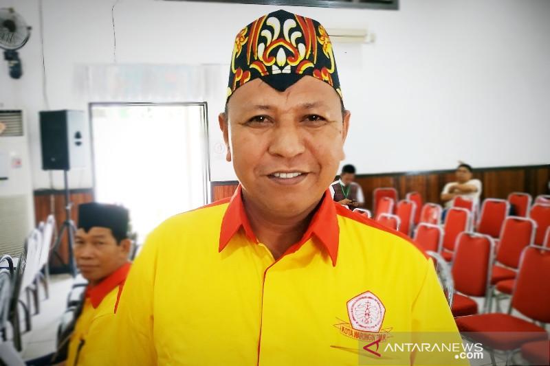 Pemkab Kotim tidak tegas soal kewajiban penggunaan pakaian khas daerah