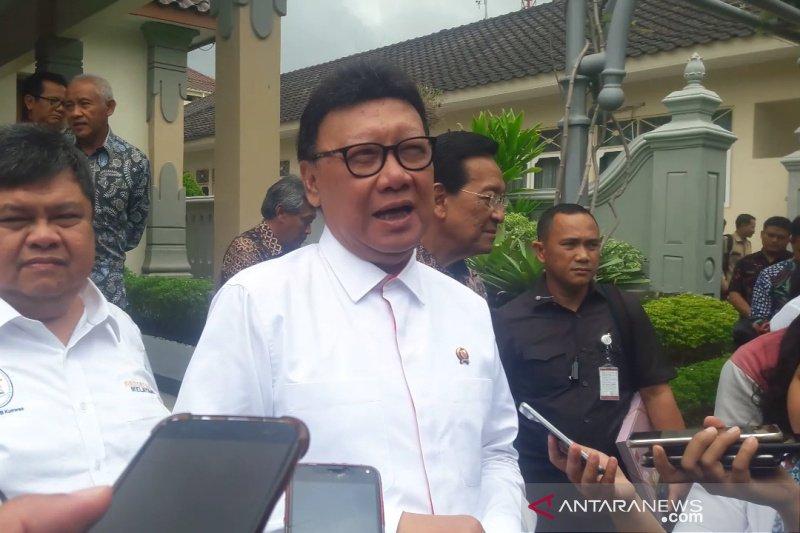 Menteri Tjahjo larang ASN Kemenpan RB pakai cadar