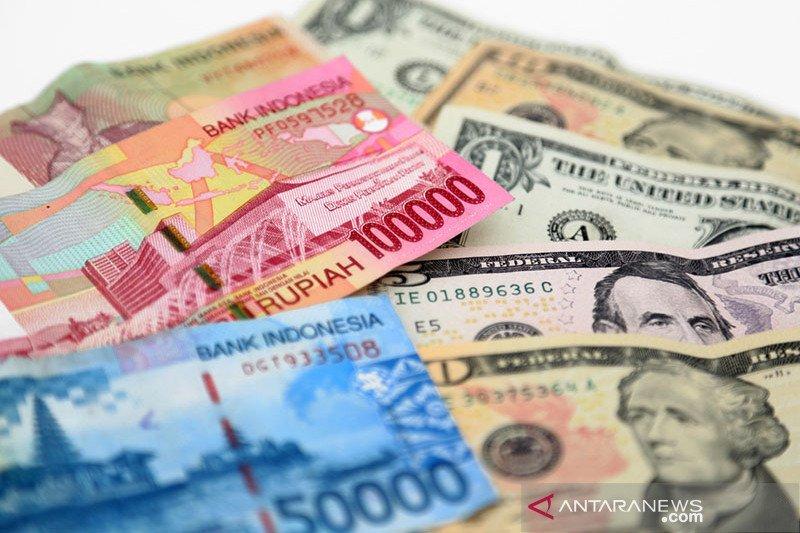 Kurs rupiah terkoreksi dekati Rp15.000 dibayangi sentimen negatif