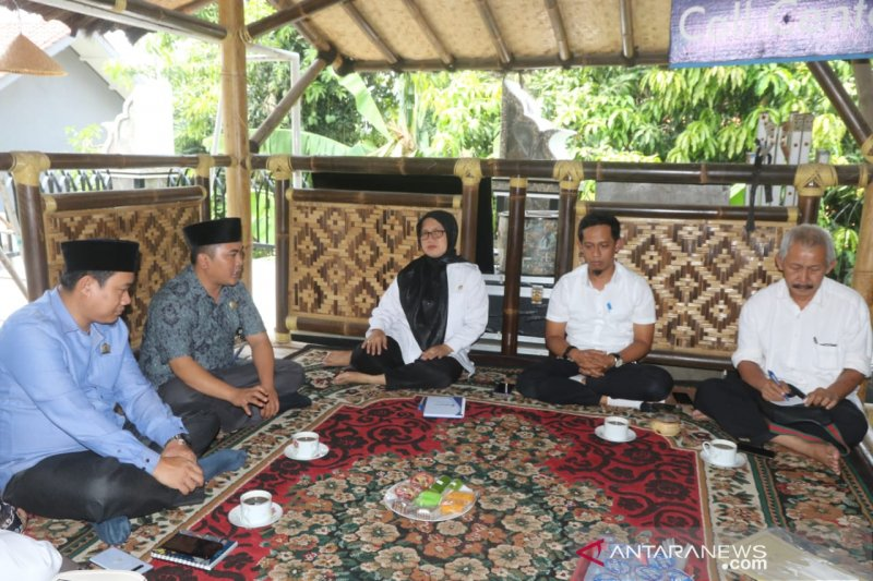 Pembangunan jaringan internet di pedesaan Purwakarta dorong penjualan produk UMKM