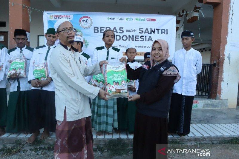 ACT bantu dua ton beras untuk ponpes  di Sigi dan Donggala