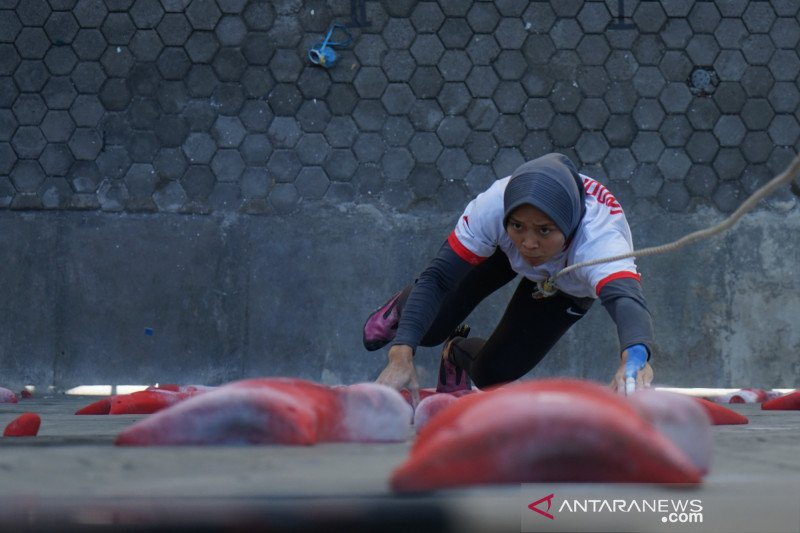 Aries Susanti Rahayu perempuan pertama sepanjang sejarah finis di bawah tujuh detik