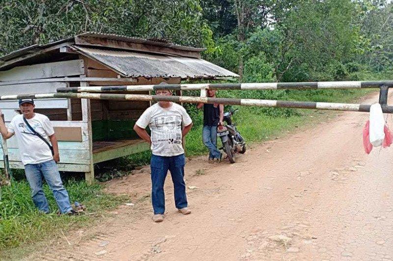 Portal PT Minanga Ogan disegel eks  anggota KUD