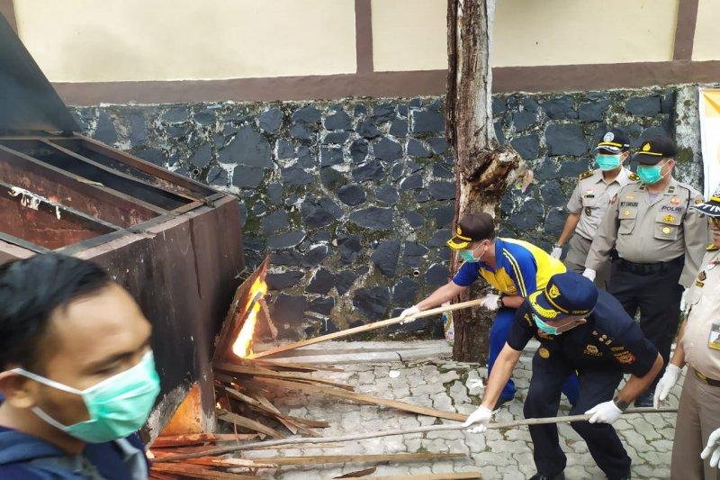 BKP Tanjungpinang musnahkan 500 kilogram media pembawa hama-penyakit