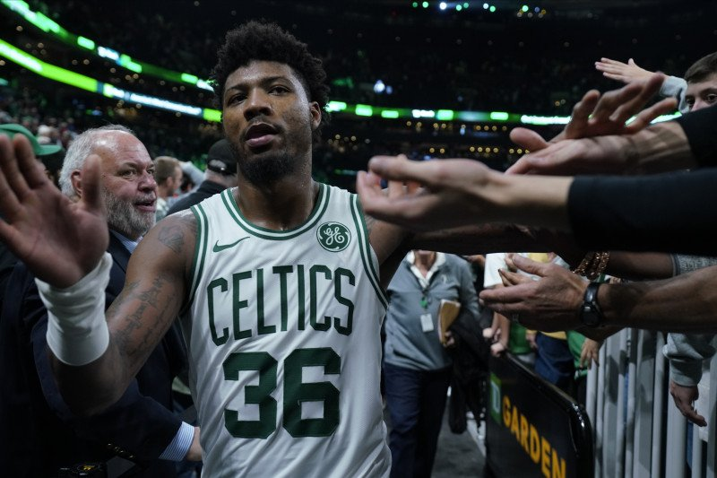 NBA denda Marcus Smart karena  kritik wasit