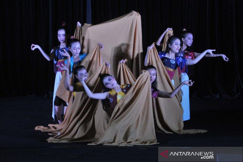 Aneka seni Sumsel di Rentak Batanghari 2019