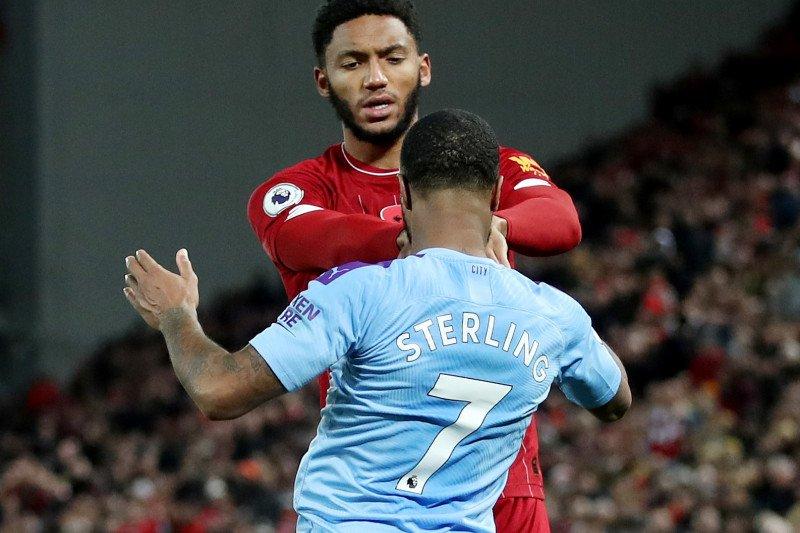 Sterling dikeluarkan dari skuat setelah cekcok lagi  dengan Gomez