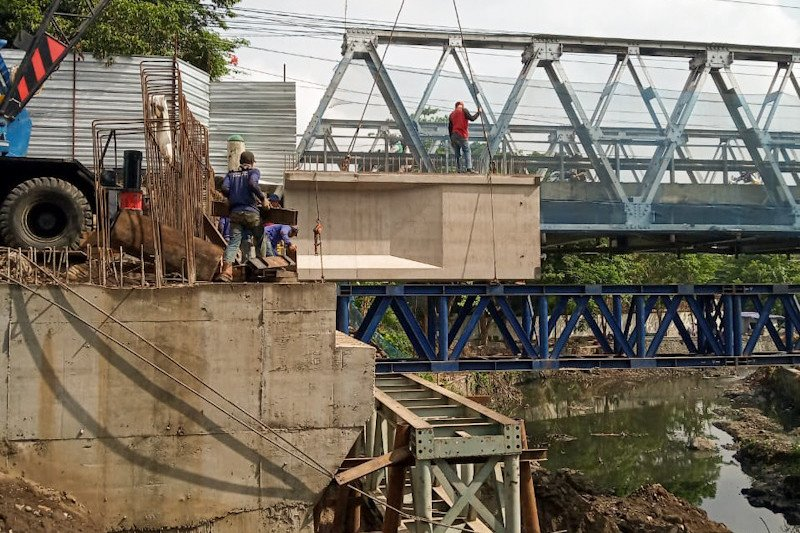 Pemasangan girder jembatan GL Zoo ditargetkan rampung selama 10 hari