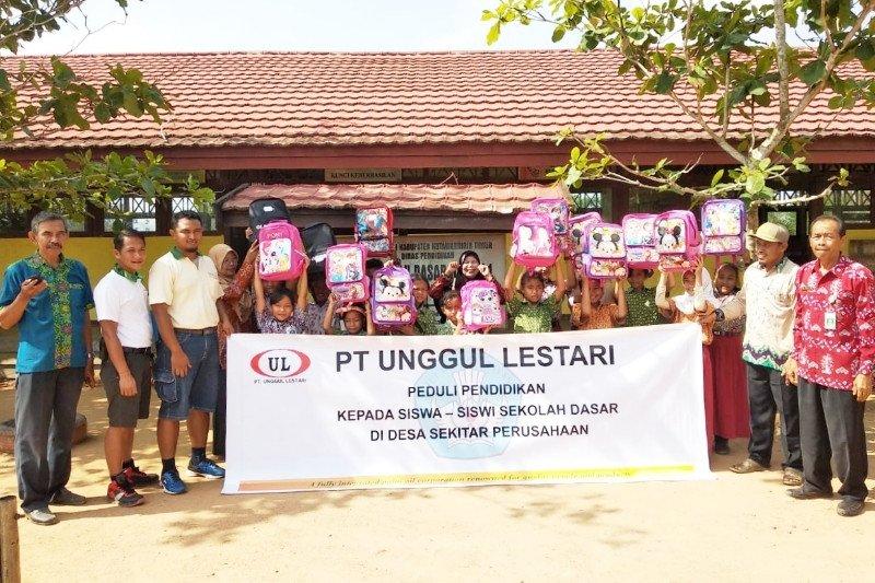 PT Unggul Lestari salurkan bantuan Peduli Pendidikan untuk 10 sekolah
