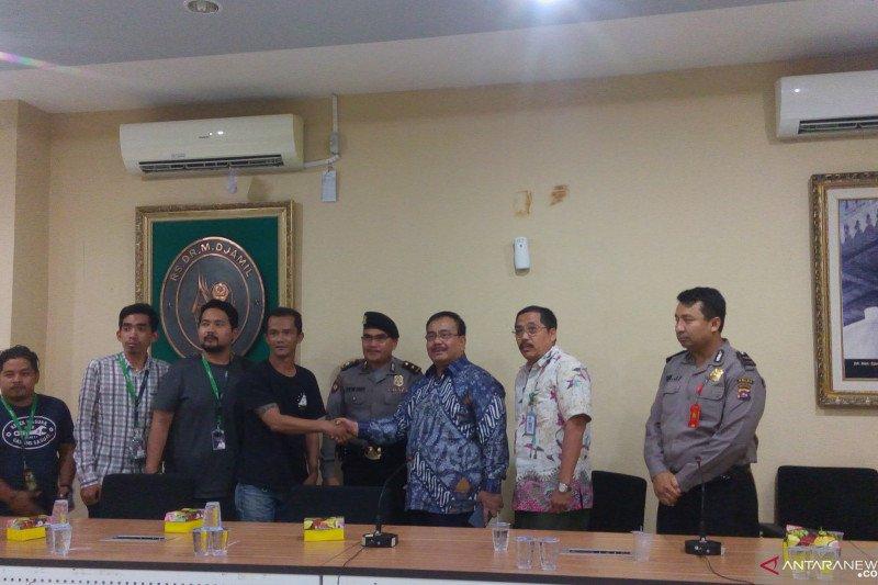 Direksi RSUP M Djamil Padang sepakat tanggulangi semua biaya perawatan Khalif