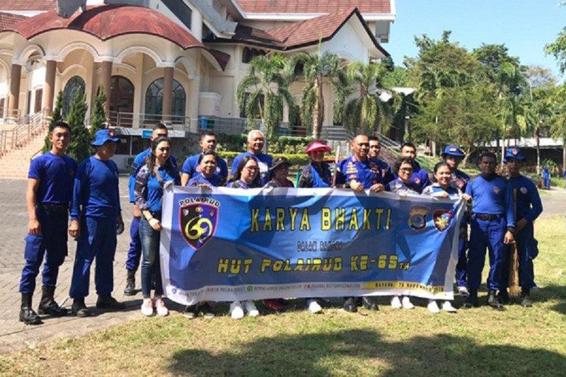 Ditpolairud Polda Sulawesi Utara bersih-bersih rumah ibadah
