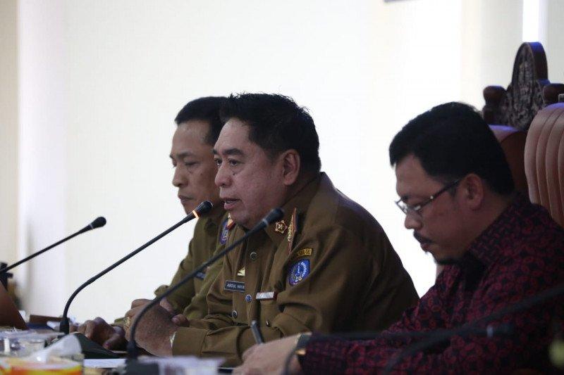 Sekprov Sulawesi Selatan sakit dirujuk ke RSWS Makassar