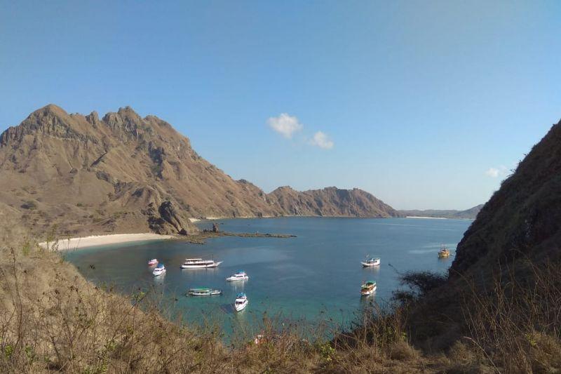 Menikmati suasana penjelajahan alam dan wisata laut di Labuan Bajo