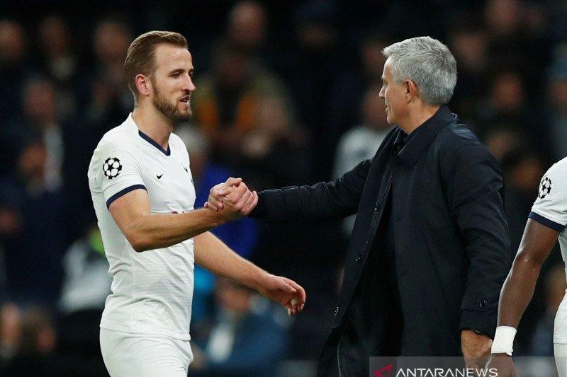 Kane ingin hubungannya dengan Mourinho jadi kuat
