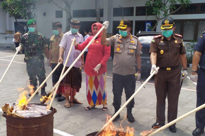 Kejaksaan Negeri Denpasar musnahkan barang bukti narkotika miliaran rupiah