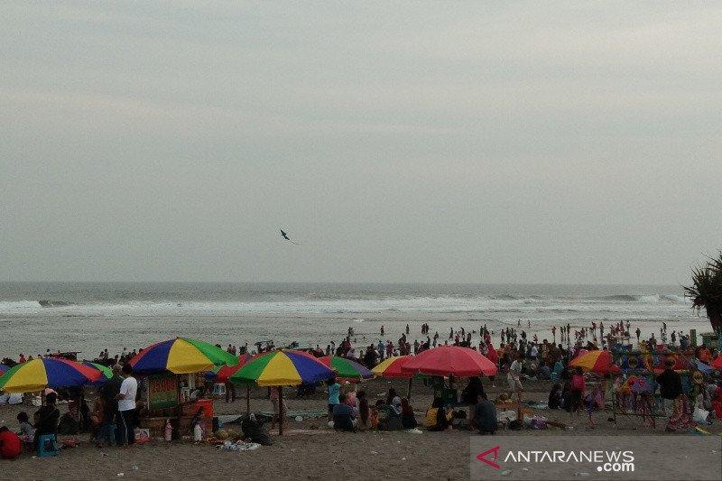 Bantul maksimalkan petugas kebersihan atasi sampah kawasan pantai