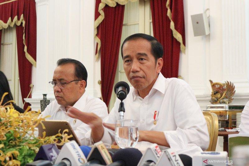 Jokowi : Ada yang mau cari muka usulkan jabatan presiden 3 periode