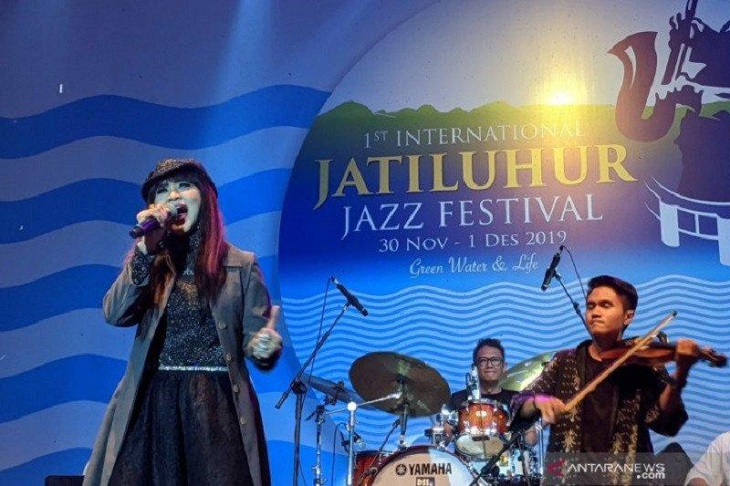 Lengkingan nada tinggi Ita Purnamasari getarkan Jatiluhur Jazz Festival 2019
