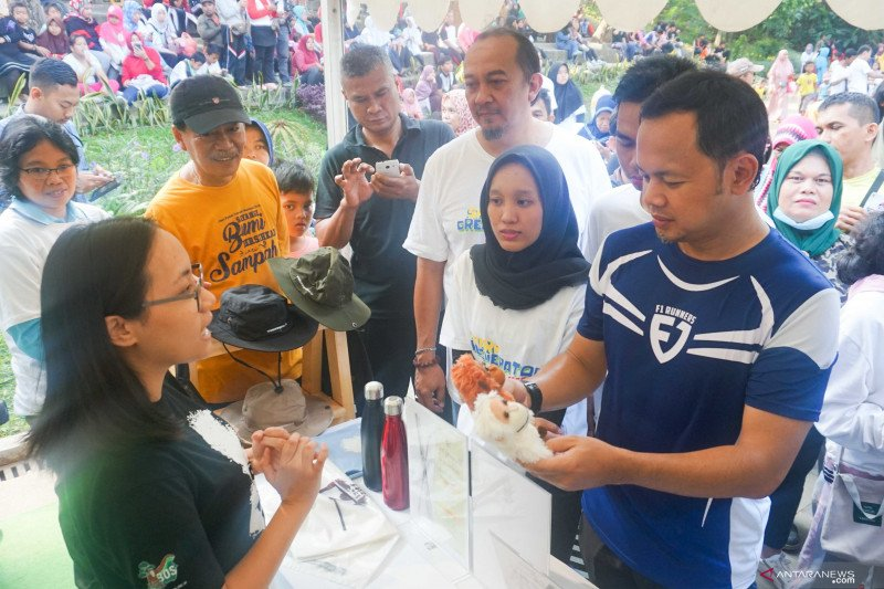 SHARP Greenerator Fest 2019 Perangi Sampah Plastik