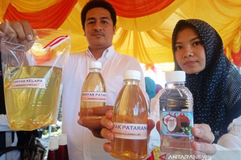 Minyak kelapa murni buat kesehatan diproduksi wanita tani Aceh Barat