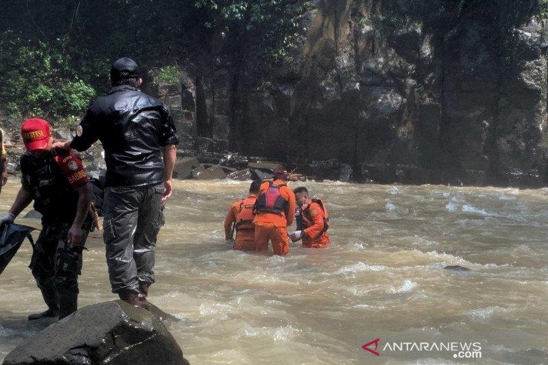Seorang warga terseret arus di Curug Malela ditemukan tewas