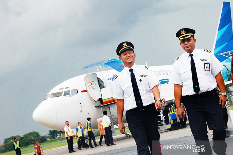 Garuda rumahkan sementara 800 karyawan berstatus kontrak