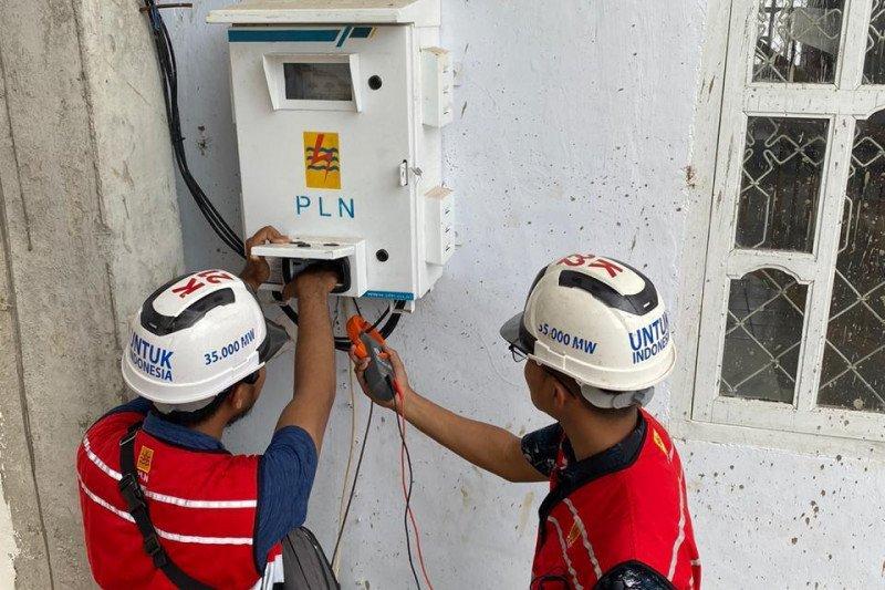 PLN UP3 Baubau Operasikan jaringan listrik baru