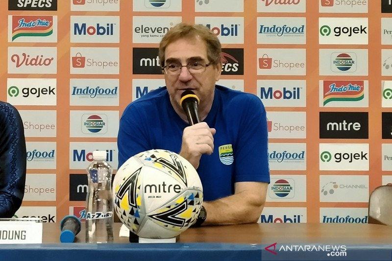 Pelatih Persib Bandung beri sinyal liga akan dilanjutkan pada 1 Januari